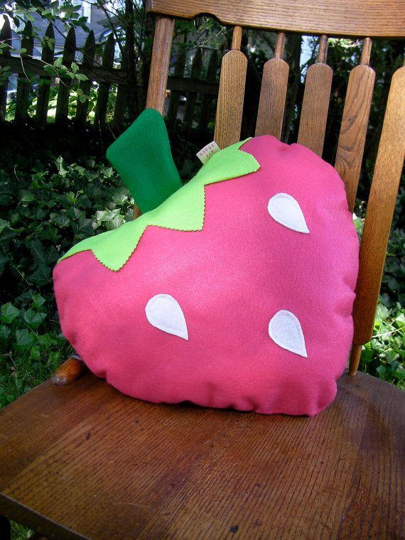 Strawberry Pillow-Fruit Pillow Plush-Unique-Decorative por ArtSnack