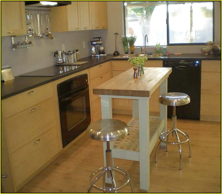 Best 25 small kitchen with island ideas on pinterest - Kitchen islands for small kitchens ...