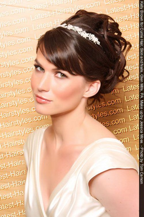 Simple wedding hair with tiara