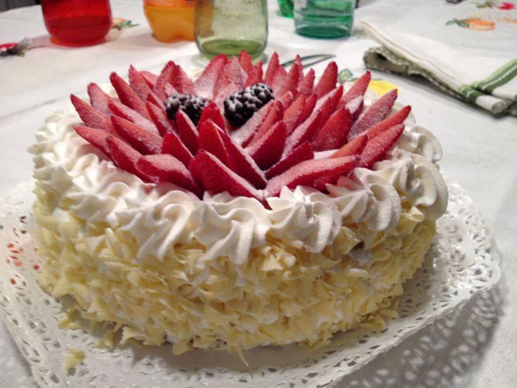 Torta Chantilly con bavarese di fragola