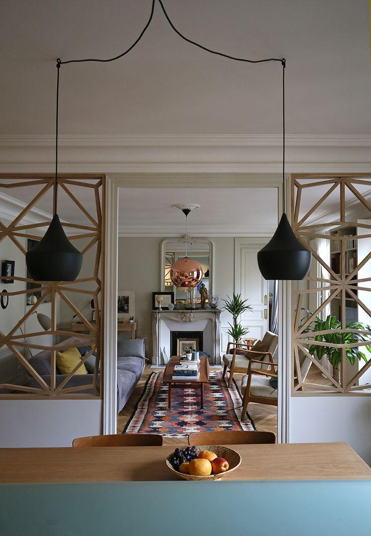 Modern living room, classic house | Il y a du claustra dans l'air… | Julie Nabucet Architectures