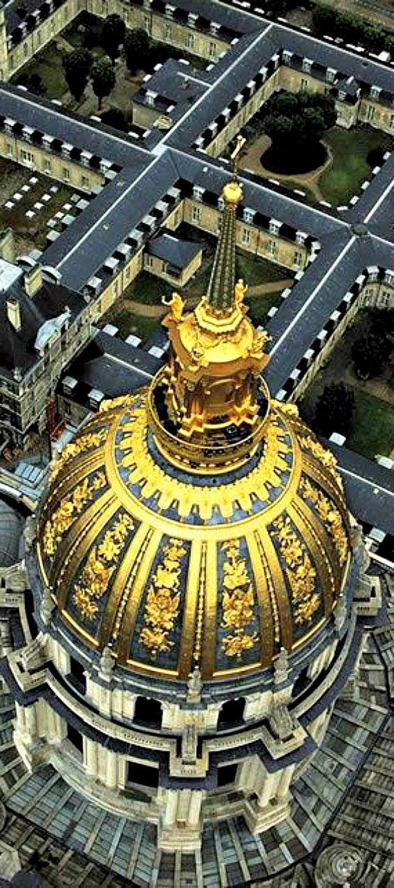 Travelling - Dome des Invalides, Paris, France