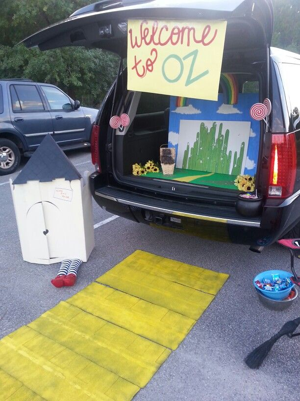 15 best Diy trunk or treat wizzard of oz images on Pinterest - halloween trunk or treat ideas