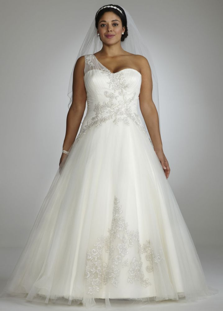 Plus Size One Shoulder Tulle Ball Gown Wedding Dress with Lace Appliques – White, 26W