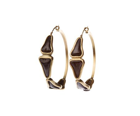 CRESTA BLEDSOE FINE JEWELRY Ponte Vedra Collection: 18k fossilized shark tooth medium hoop earrings