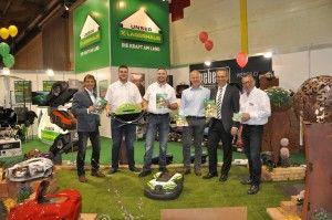 Die neuesten Rasenroboter, viele interessierte Besucher und eine tolle Stimmung gab es am UNSER LAGERHAUS Stand auf der Freizeitmesse Klagenfurt.