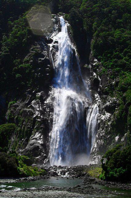 Bridal Veil Falls - Milford Sound - New Zealand