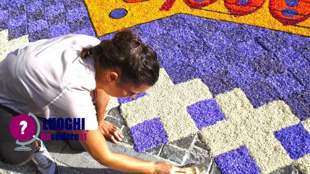 """#Infiorate a #Spello: i """"tappeti floreali"""" artistici del Corpus Domini"""