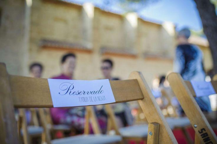 Asientos reservados para la ceremonia //Ceremony. Foto: Christian Roselló. Organización: Señor y señora de #bodassrysrade www.señoryseñorade.com