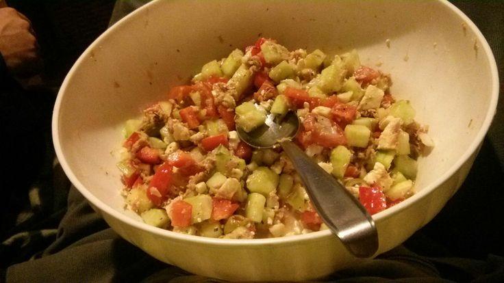 Salad spoon - bended end is antifalling inside bowl jig