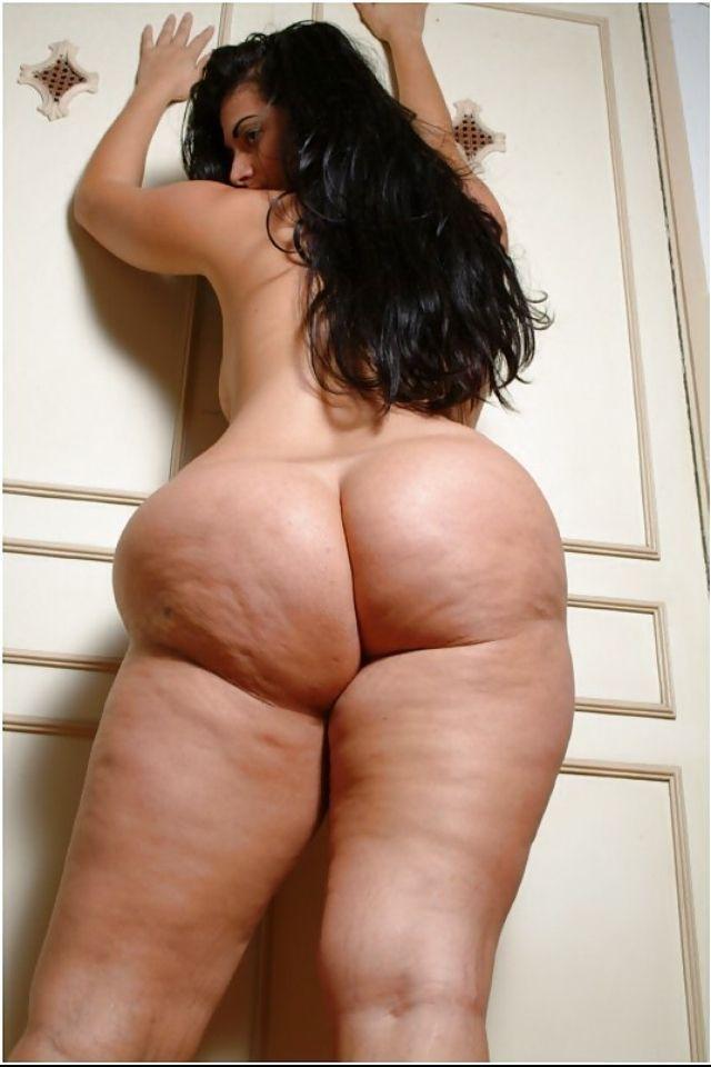 Порно фото целюлитных задниц