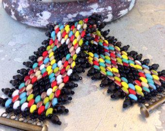 Peyote Stitch indiano estate Bracciale ~ pezzo colorato dichiarazione ~ Beadweaving Bracciale ~ moda tribale paese dal fascino Chic Country