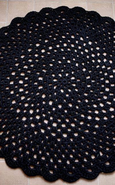 Novita Oy - Neulemalli: Virkattu pyöreä matto