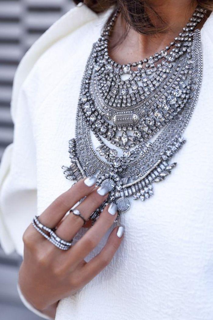 comment porter le collier plastron pas cher en argent
