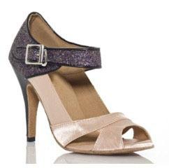 salsa shoes :) want!