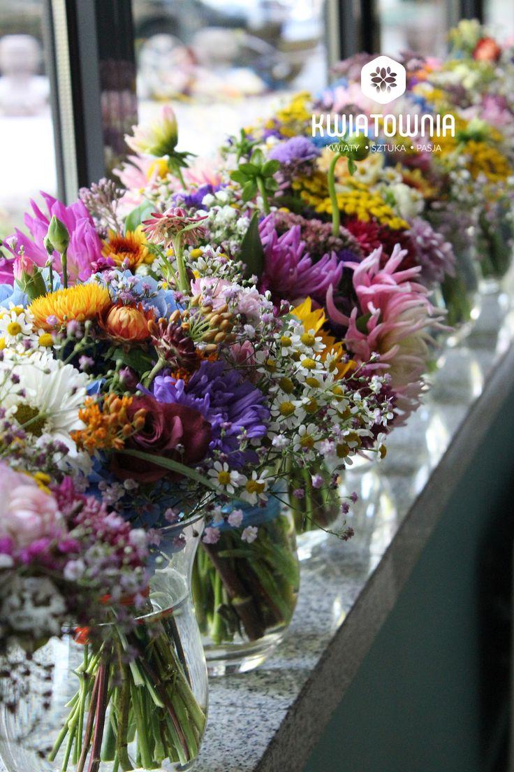 #kwiatownia #kwiaty  #car #decor #decoration #weeding #flowers #bouquet #bridal #bride #bridesmaid #wreath # flowerdesign #weedingday #art #instaflowers #instagood #facebook #natural #love #kompozycja #tabledeco #table