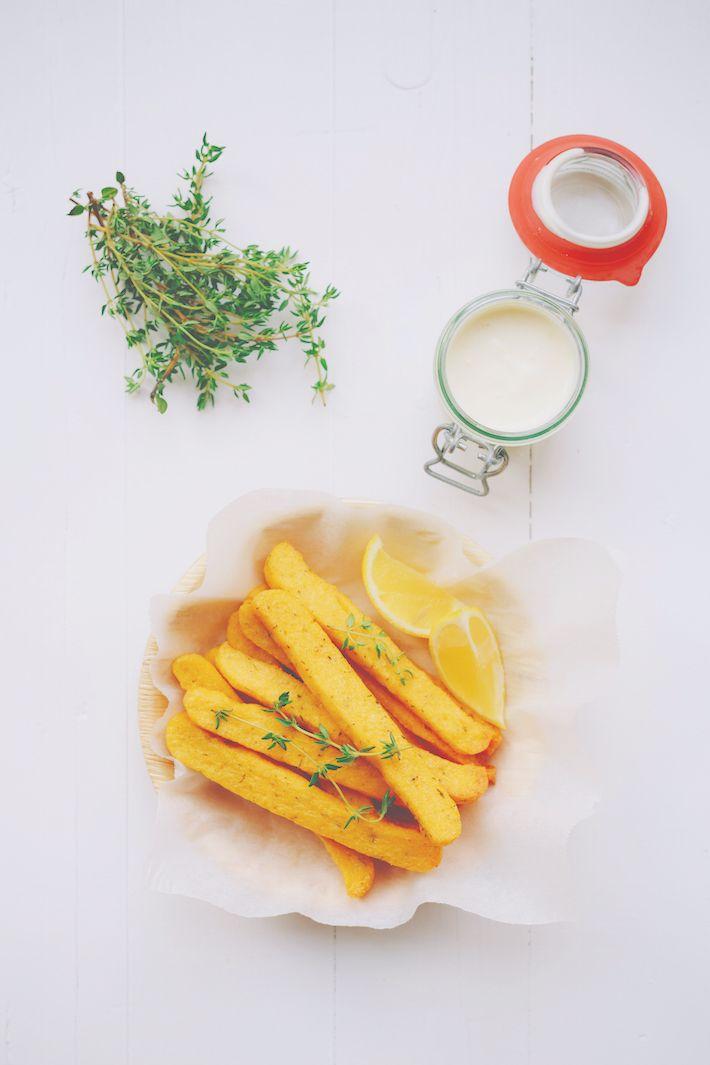 Heb jij wel eens polentafriet gemaakt? Dat zijn frieten uit de oven gemaakt van maïsmeel, superlekker.