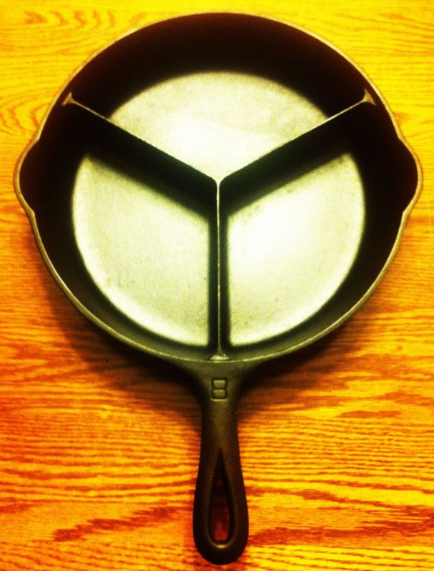 RARE Griswold DINNER SKILLET ALL-IN-ONE #8 Large Logo Cast Iron 1008 Excellent