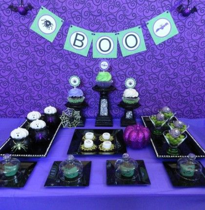 Cute ideas for kids at the Halloween party.: Dessert Tables, Halloween Parties, Desserts Ideas, Holidays Food, Beautiful Halloween, Halloween Dessert Table, Tables Places Sets, Parties Ideas, Halloween Desserts Tables