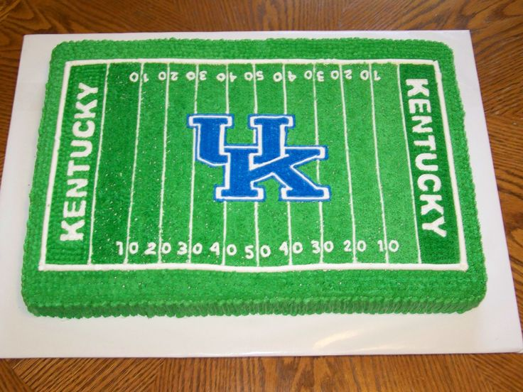 Cake Decorating Football Field : 17 Best images about sports cakes on Pinterest Football ...