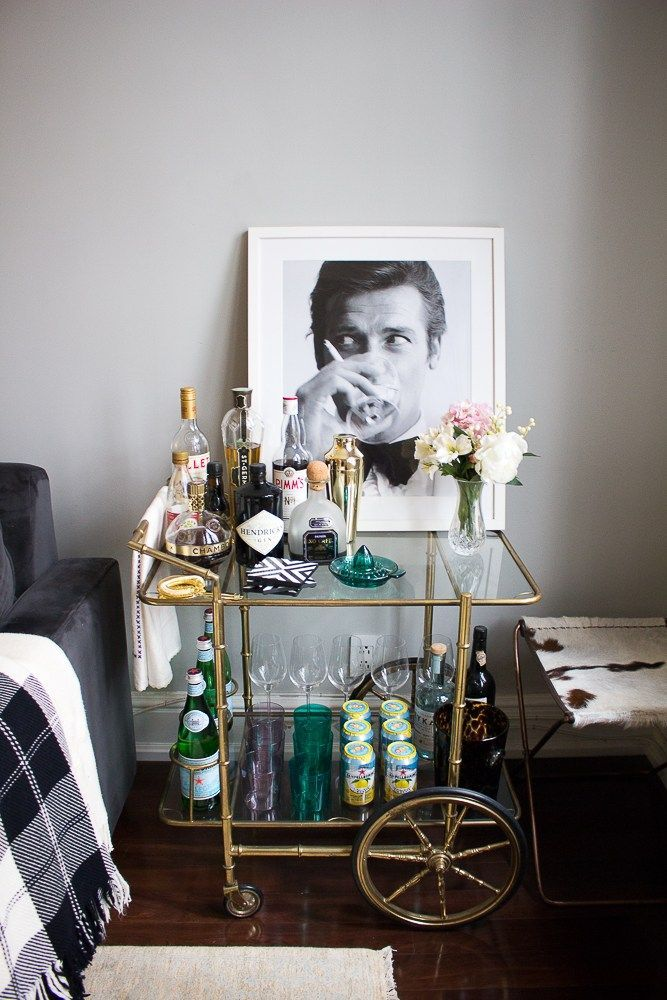 Turn Your Bar Cart into a Statement Piece! Tips fo…