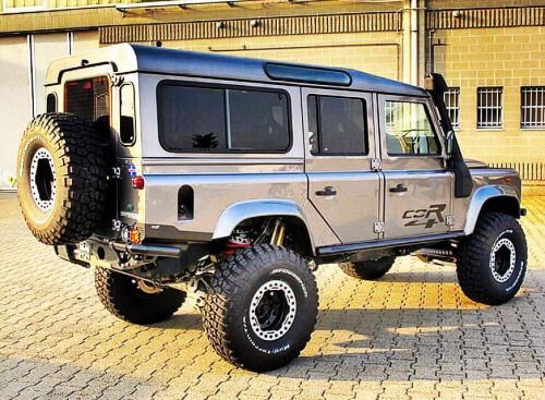 Land Rover Defender 110 Td5 Sw Se prepared to take adventure sports and Explorer.