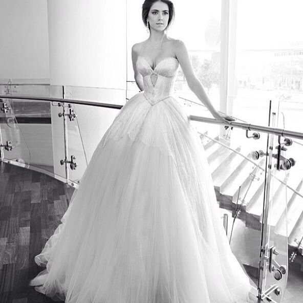 953 best Luxurious Wedding Gowns Galore images on Pinterest ...