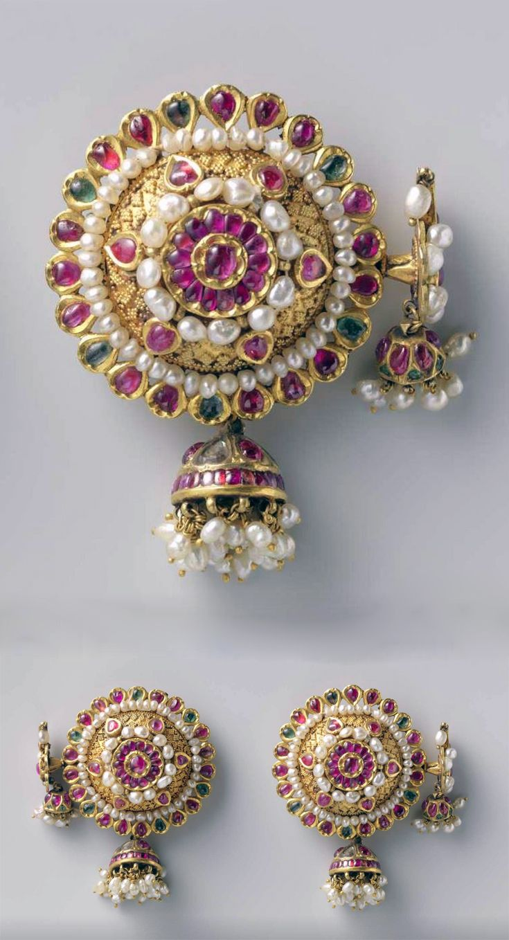India | Pair of earrings (phuljhumba); gold inlaid with re and green stones and diamond splinters, bordered with a rim of pearls. | ca. 1750, Surat (Suryapur), Gujarat.