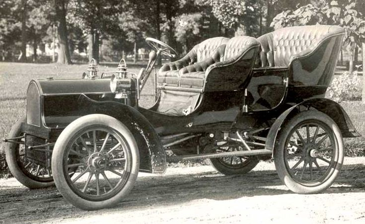 1904 Buick Model B ✏✏✏✏✏✏✏✏✏✏✏✏✏✏✏✏  CUTE GIFT IDEA  ☞ http://frenchvintagejewelryen.tumblr.com/archive   ✏✏✏✏✏✏✏✏✏✏✏✏✏✏✏✏