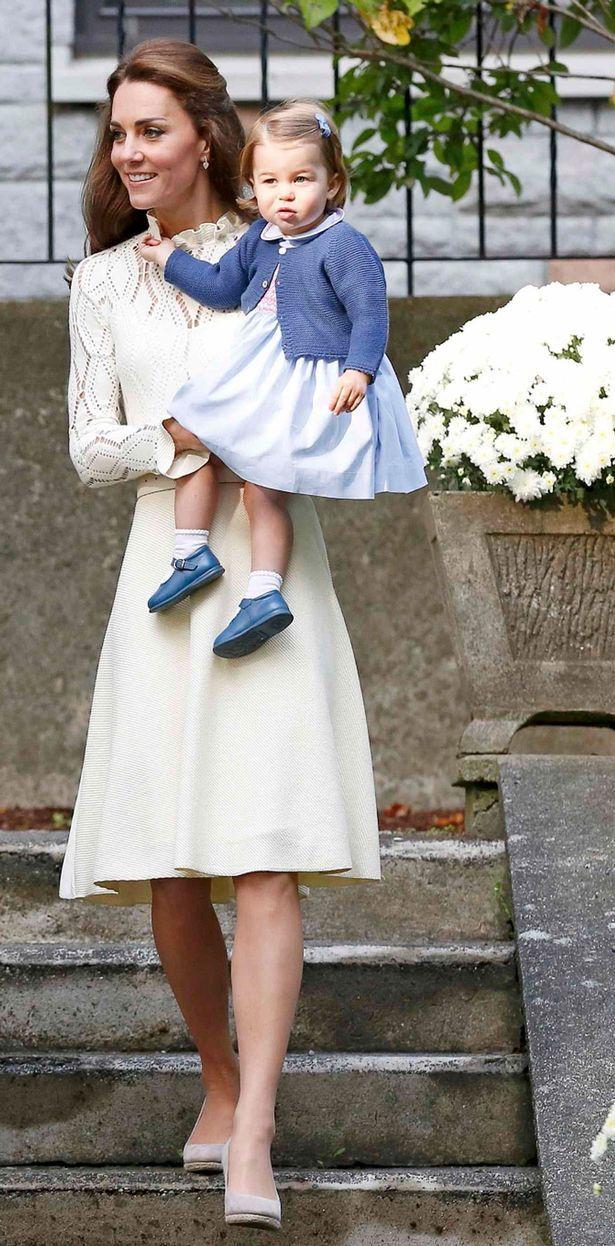 be4ac321a50e518cf155ffbe2ba6e0e8  queen kate princess kate - Royal Kate And William