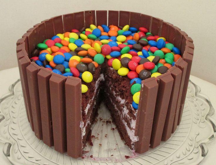 Snack Around: KitKat - M&M's - Solbær - Skumfiduser - Flødeskum - Kakao
