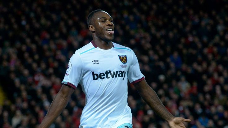 Michail Antonio unhappy with lack of new deal from West Ham - sources
