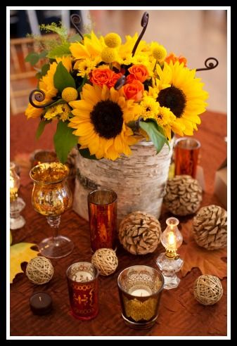 Clever fall wedding decor inspirations perfect for your autumn themed wedding.