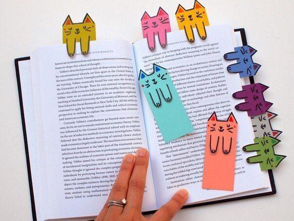 Auf folgende Seite erkennen Sie, wie kann man selber solche wunderschöne Lesezeichen als Katzen basteln. Die Anleitung ist auch dabei, schauen Sie mal...