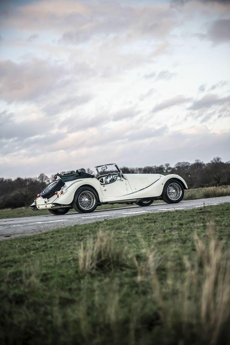 Powered by a 3.7 litre Ford engine, the Roadster is exhilarating to drive and represents the qualities of a pure Morgan sports car.