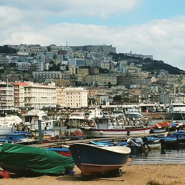 Dal porto di Napoli