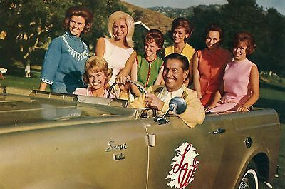 LAWRENCE-WELK-GIRLS-in-VINTAGE-CAR-old-1965-postcard-ABC-TV-NETWORK That's one happy man* ....huba-huba     The Lawrence Welk show had some of the best talent.