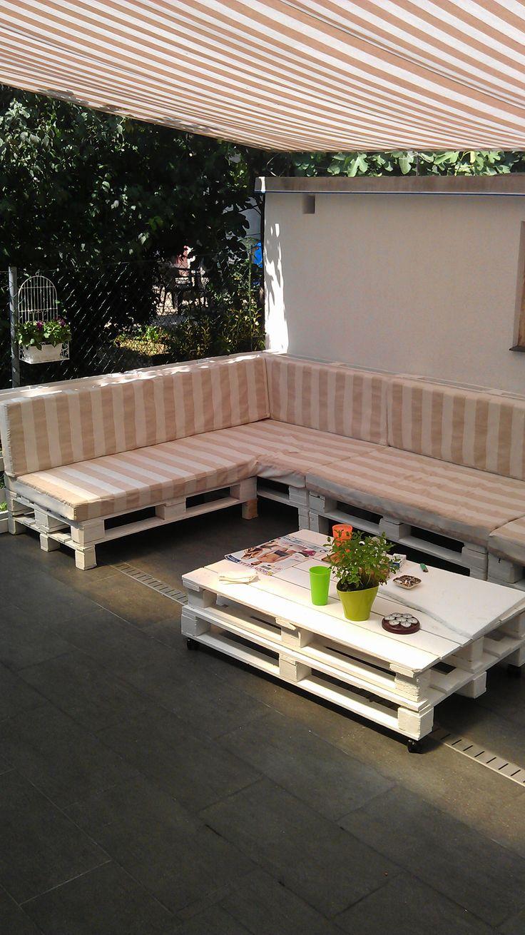 Terrace pallet sofa #Lounge, #Pallet, #Sofa, #Terrace