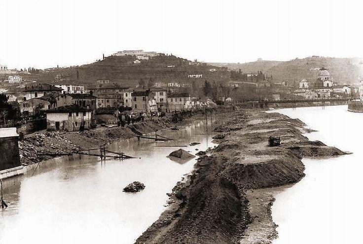 Verona - Costruzione dei muraglioni alla Campagnola