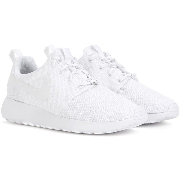 Nike Nike Roshe One Sneakers (3,480 THB) ❤ liked on Polyvore featuring shoes, sneakers, nike, white, nike sneakers, nike footwear, white shoes and white trainers