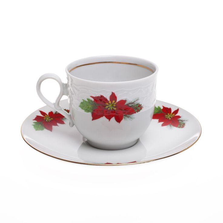 Εορταστική πρόταση για σας που τα Χριστούγεννα έχουν χρώμα κόκκινο-πράσινο-χρυσό. Σας προτείνουμε να πιείτε τον καφέ σας ή το τσάι σας, ακούγοντας γλυκιές χριστουγεννιάτικες μελωδίες. Το φλυτζάνι είναι από φίνα πορσελάνη με σχέδιο Αλεξανδρινό