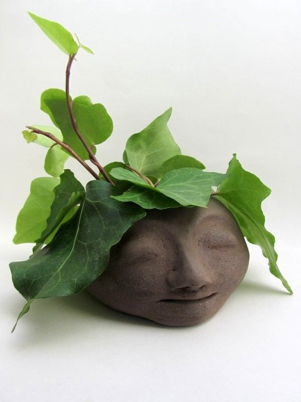 Ceramic head planter, brown clay - Atelier Saskia Lauth / France - www.saskia-lauth.com