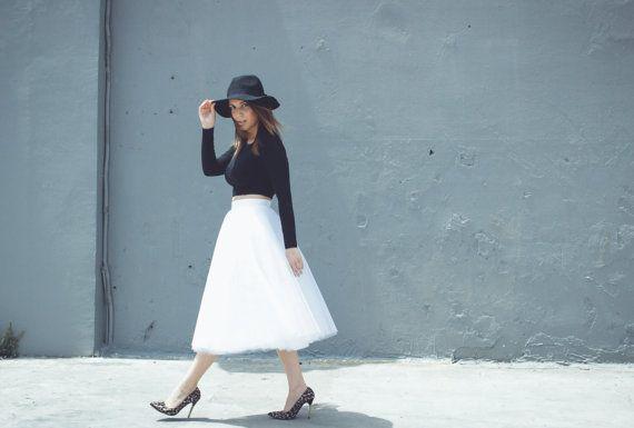 Jupe en tulle, jupe midi, jupe de mariage, mariée jupe, jupe de demoiselle d'honneur, jupe en tulle pour femmes, jupe blanche, jupe noire, jupe longueur midi.