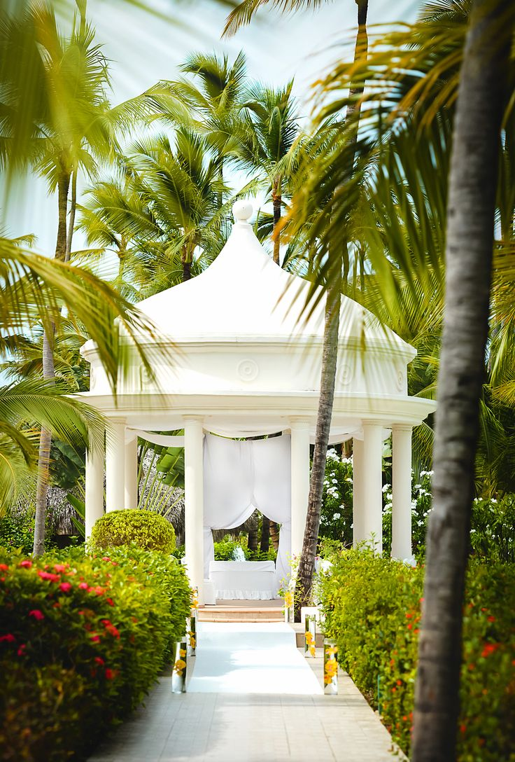 Majestic Colonial Punta Cana Wedding Photographer Vaughn Barry Photography Easily One Of My Most Requested Resorts To Shoot At