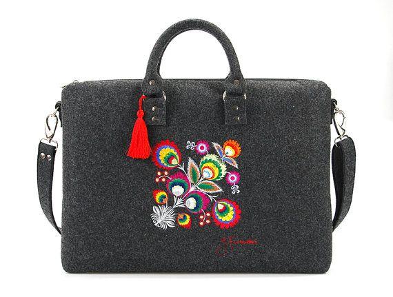 Felt laptop bag with colorful patterndark grey by HappyMoodShop