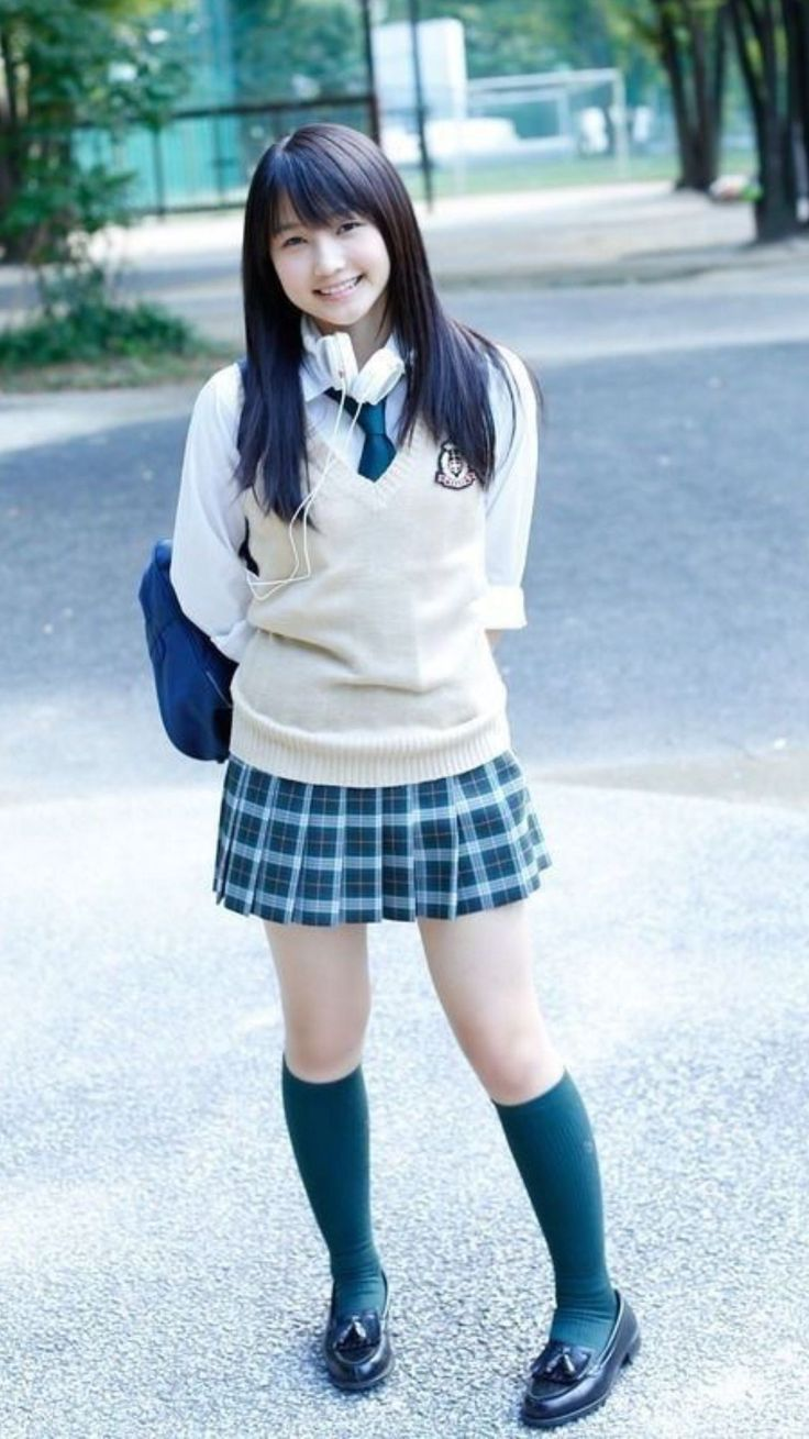 naked-asian-schoolgirl-white-socks-bloomer-massarp-pusy