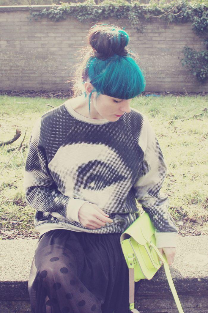 cleopatra sweatshirtElizabeth Taylor