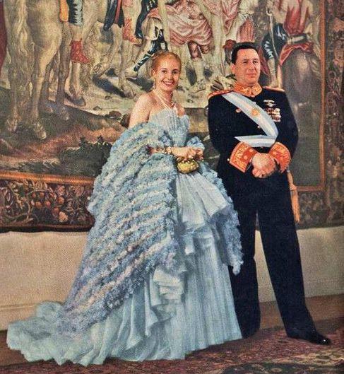 Juan y Eva Oficial - Argentina – Wikipédia, a enciclopédia livre > Juan Perón e sua influente mulher, Eva (ou Evita). Eles fundaram o movimento político conhecido como Peronismo.