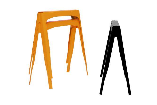 Hos Housoflawson.dk kan du læse mere om TOLLX bordbukkene som findes i hele 20 farver og 2 forskellige højder. Bukkene er lavet af metal og koster 3200,00 kr.