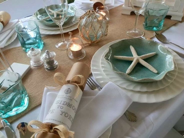 Gorgeous & Beachy tablescape by Coastal Vintage!